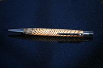 exklusiver Kugelschreiber aus Schlossholz